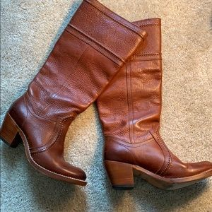 Gently used Frye brown Jane heeled boots. Size 7